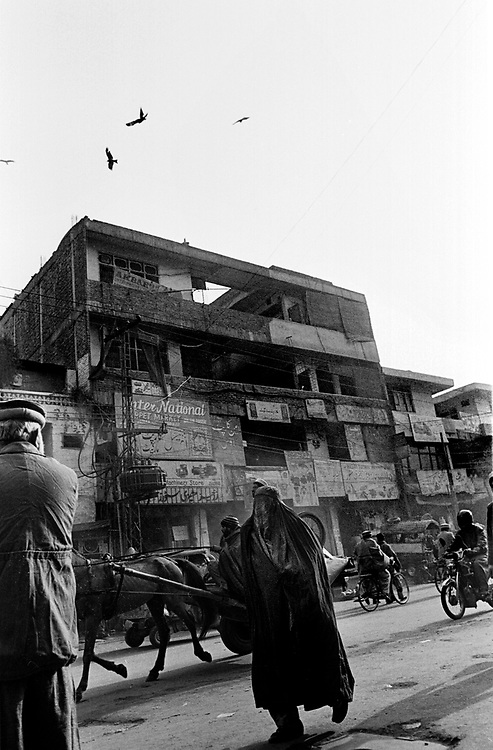 Daily life in Peshawar's Old City, Pakistan January 2002....©David Dare Parker/AsiaWorks Photography