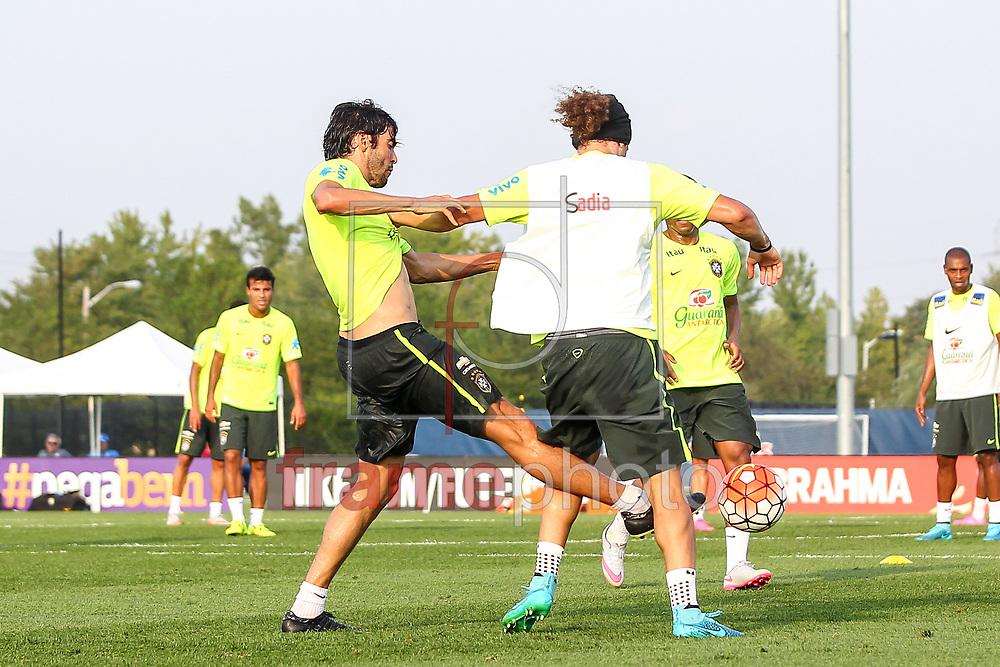 Nova Jersey, EUA - 01/09/2015 - Kaká e David Luiz no Segundo dia de treino da seleção Brasileira no centro de treinamento do NY Red Bulls  Foto: Wagner AZ /Frame