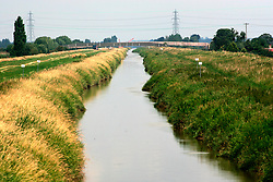 UK ENGLAND CAMBRIDGESHIRE GOLD HILL 7AUG06 - View onto the New Bedford River, also known as the Hundred Foot Drain running through the Fenlands.. . jre/Photo by Jiri Rezac. . © Jiri Rezac 2006. . Contact: +44 (0) 7050 110 417. Mobile:  +44 (0) 7801 337 683. Office:  +44 (0) 20 8968 9635. . Email:   jiri@jirirezac.com. Web:    www.jirirezac.com. . © All images Jiri Rezac 2006 - All rights reserved.