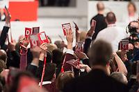 19 MAR 2017, BERLIN/GERMANY:<br /> Delegierte halten Ihre Delegierten-karten hoch, waehrend der Wahl von Martin Schulz zum SPD Spitzenkandidat der Bundestagswahl, a.o. Bundesparteitag, Arena Berlin<br /> IMAGE: 20170319-01-090<br /> KEYWORDS: party congress, social democratic party, Abstimmung