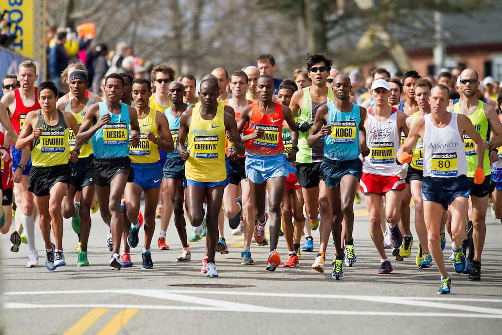 2013 Boston Marathon: elite men start