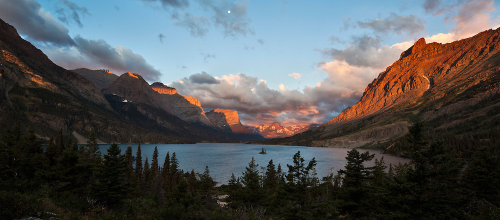 Wild Goose Island at Sunrise - Glacier National Park, Montana