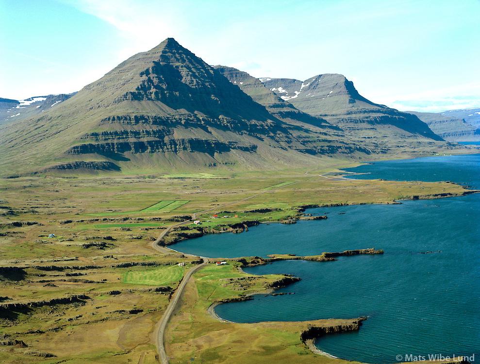 Framnes og Teigarhorn séð til vesturs, Búlandstindur, Djúpavogshreppur áður Búlandshreppur / Framnes and Teigarhorn viewing west, mount Bulandstindur, Djupavogshreppur former Bulandshreppur.