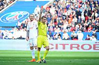 Philippe KALT - Carton rouge pour Sebastien CORCHIA - 25.04.2015 - Paris Saint Germain / Lille - 34eme journee de Ligue 1<br />Photo : Nolwenn Le Gouic / Icon Sport