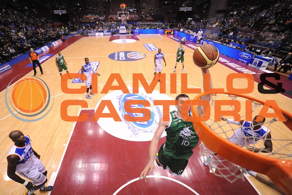 DESCRIZIONE : Milano Coppa Italia Final Eight 2014 Semifinali Enel Brindisi Montepaschi Siena<br /> GIOCATORE : Benjamin Hortner<br /> CATEGORIA : special schiacciata scelta sequenza<br /> SQUADRA : Enel Brindisi Montepaschi Siena<br /> EVENTO : Beko Coppa Italia Final Eight 2014<br /> GARA : Enel Brindisi Montepaschi Siena<br /> DATA : 08/02/2014<br /> SPORT : Pallacanestro<br /> AUTORE : Agenzia Ciamillo-Castoria/C.De Massis<br /> Galleria : Lega Basket Final Eight Coppa Italia 2014<br /> Fotonotizia : Milano Coppa Italia Final Eight 2014 Semifinali Enel Brindisi Montepaschi Siena<br /> Predefinita :