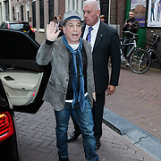 NLD/Amsterdam/20120719 - Paul Simon bezoekt de documentaire gracelind in Amsterdam