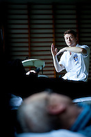 Aarhus Sygehus<br /> Fysioterapien <br /> Tage Hansens Gade<br /> Fysioterapeuten<br /> Nikolaj Boest<br /> 10.01.2011 &copy; 2011 Jesper Balleby / Agentur Focus