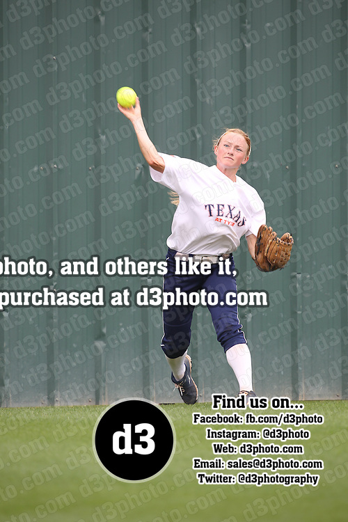 2014 NCAA DIII Softball Regional Playoff,University of Texas - Tyler,Photo Taken by: Joe Fusco, maxpreps.com/jfactionphoto.com,