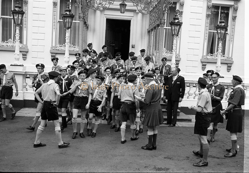 25/07/1967<br /> 07/25/1967<br /> 25 July 1967<br /> Scouts meet the Lord Mayor of Dublin at the Mansion House Dublin. A joint contingent of the Federation of Irish Scots Associations conspiring the Catholic Boy Scouts of Ireland and the Boy Scouts of Ireland due to attend the 12th World Jamboree in Idaho, U.S.A. and later the World Conference at Seattle. They visited the Lord Mayor, Councillor Thomas Strafford who presented the leaders, Mr. Desmond Fay, (Deputy Contingent Leader, C.B.S.I.); Mr. W.E. Judge, (Contingent Leader and Chief Scout of the Boy Scouts of Ireland) and Mr. George Sloan, (Assistant County Commissioner, Boy Scouts of Ireland) with letters of greeting to the Mayors of Seattle, Spokane and Detroit.