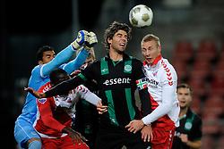 26-10-2012 VOETBAL: FC UTRECHT - FC GRONINGEN: UTRECHT<br /> Utrecht wint met 1-0 van Groningen / (L-R) Moura Luciano Luciano, Kees Kwakman, Mike van der Hoorn<br /> ©2012-FotoHoogendoorn.nl