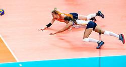 03-10-2018 JPN: World Championship Volleyball Women day 6, Yokohama<br /> Netherlands - Mexico 3-0 / Kirsten Knip #1 of Netherlands, Anne Buijs #11 of Netherlands