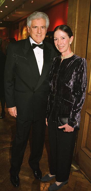 MR & MRS IAN STOUTZKER wealthy patrons of the arts, at a reception in London on 17th March 1999.MPL 10