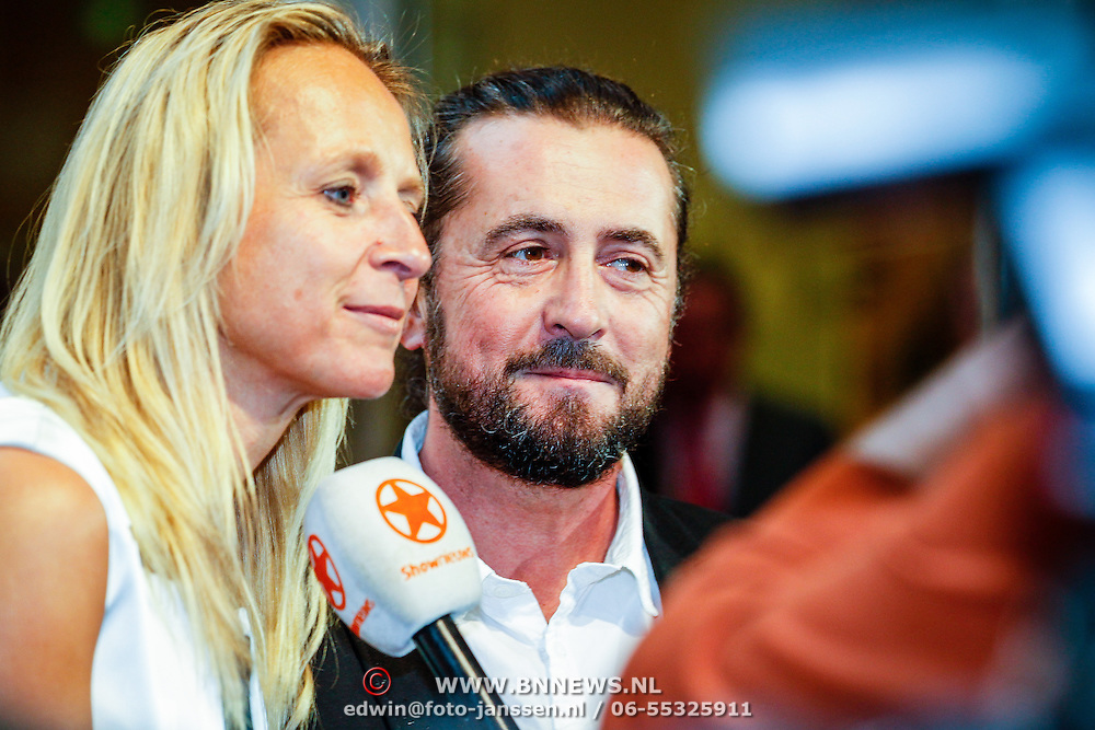 NLD//Amsterdam20160415 - Première 'Roméo et Juliette', Floortje Dessing en goede vriend Guido Keff