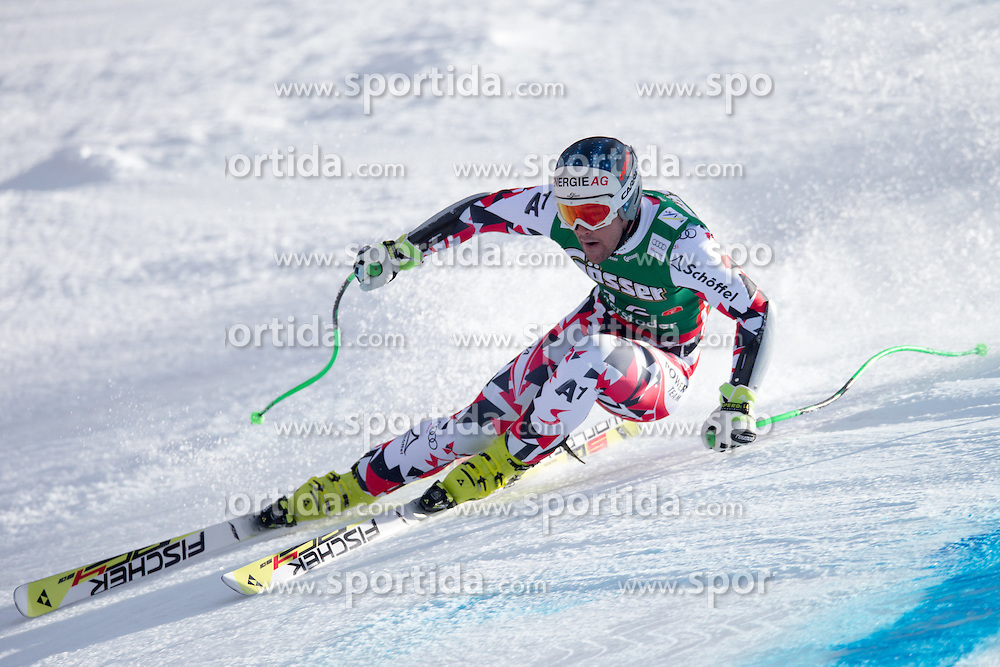 27.02.2016, Hannes Trinkl Rennstrecke, Hinterstoder, AUT, FIS Weltcup Ski Alpin, Hinterstoder, Super G, Herren, im Bild Vincent Kriechmayr (AUT) // Vincent Kriechmayr of Austria competes during his run of men's Super G of Hinterstoder FIS Ski Alpine World Cup at the Hannes Trinkl Rennstrecke in Hinterstoder, Austria on 2016/02/27. EXPA Pictures © 2016, PhotoCredit: EXPA/ Johann Groder