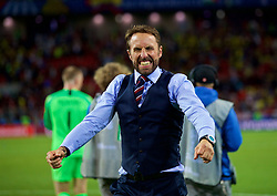 MOSCOW, RUSSIA - Tuesday, July 3, 2018: England's manager Gareth Southgate lets out a cathartic scream in celebration after beating Colombia on penalties during the FIFA World Cup Russia 2018 Round of 16 match between Colombia and England at the Spartak Stadium. (Pic by David Rawcliffe/Propaganda)