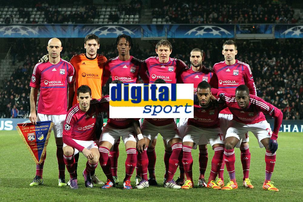 FOOTBALL - UEFA CHAMPIONS LEAGUE 2011/2012 - 1/8 FINAL - 1ST LEG - OLYMPIQUE LYONNAIS v APOEL FC - 14/02/2012 - PHOTO EDDY LEMAISTRE / DPPI - TEAM LYON ( BACK ROW LEFT TO RIGHT: CRIS / HUGO LLORIS / BAKARY KONE / KIM KALLSTROM / LISANDRO LOPEZ / ANTHONY REVEILLERE. FRONT ROW: MAXIME GONALONS / EDERSON / MICHEL BASTOS / ALEXANDRE LACAZETTE / ALY CISSOKHO )