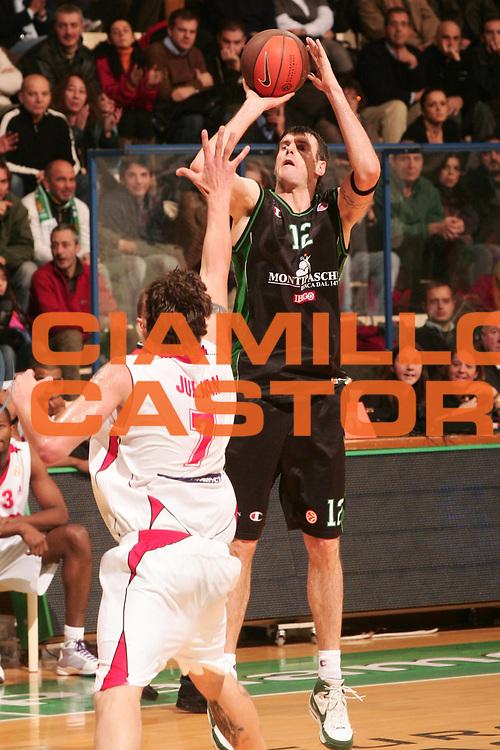 DESCRIZIONE : Siena Eurolega 2008-09 Montepaschi Siena SLUC Nancy<br /> GIOCATORE : Ksistof Lavrinovic<br /> SQUADRA : Montepaschi Siena<br /> EVENTO : Eurolega 2008-2009<br /> GARA : Montepaschi Siena SLUC Nancy<br /> DATA : 26/11/2008 <br /> CATEGORIA : Tiro<br /> SPORT : Pallacanestro <br /> AUTORE : Agenzia Ciamillo-Castoria/P.Lazzeroni<br /> Galleria : Eurolega 2008-2009 <br /> Fotonotizia : Siena Eurolega Euroleague 2008-09 Montepaschi Siena SLUC Nancy<br /> Predefinita :