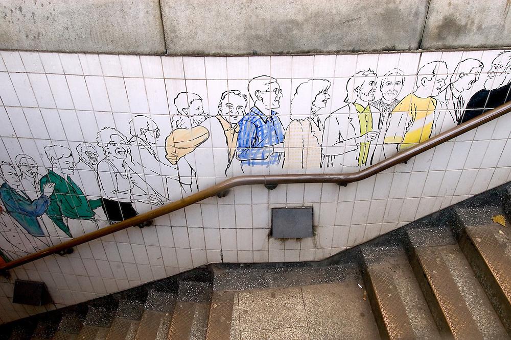 Estación del underground ubicada en Trafalgar Square. Londres, 27-11-2005. (ivan gonzalez)