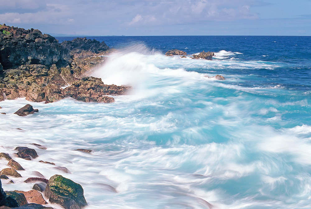 Breaking waves Hawaii