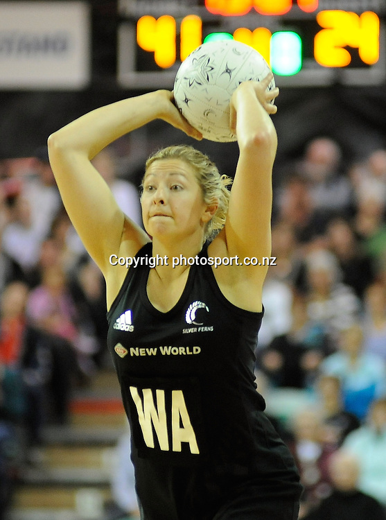 Anna Thompson in action for Silver Ferns, during New World Netball Series, New Zealand Silver Ferns v England at The ILT Velodrome, Invercargill, New Zealand. Thursday 6 October 2011 . Photo: Richard Hood photosport.co.nz