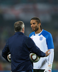 12.06.2010, Royal Bafokeng Stadium, Rustenburg, RSA, FIFA WM 2010, England (ENG) vs USA (USA), im BildEnglands David James speak with Goalkeeping coach Ray Clemence during the warm up, EXPA Pictures © 2010, PhotoCredit: EXPA/ IPS/ Mark Atkins / SPORTIDA PHOTO AGENCY