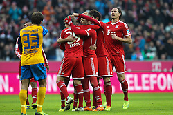 30.11.2013, Allianz Arena, Muenchen, GER, 1. FBL, FC Bayern München vs Eintracht Braunschweig, 14. Runde, im Bild die Mannschaft freut sich ueber das Tor von Arjen ROBBEN #10 (FC Bayern Muenchen) // during the German Bundesliga 14th round match between FC Bayern München vs Eintracht Braunschweig at the Allianz Arena in Muenchen, Germany on 2013/11/30. EXPA Pictures © 2013, PhotoCredit: EXPA/ Eibner-Pressefoto/ Kolbert<br /> <br /> *****ATTENTION - OUT of GER*****