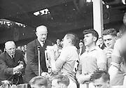 Neg No:.B541/5602-5627...4091960AISHCF...04.09.1960..All Ireland Senior Hurling Championship - Final...Wexford.2-15.Tipperary.0-11...Wexford. ..