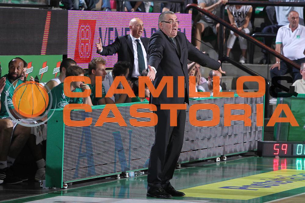 DESCRIZIONE : Treviso Lega A 2010-11 Quarti di finale Play off Gara 3 Benetton Treviso Air Avellino<br /> GIOCATORE : Jasmin Repesa Coach<br /> SQUADRA : Benetton Treviso Air Avellino<br /> EVENTO : Campionato Lega A 2010-2011<br /> GARA : Benetton Treviso Air Avellino<br /> DATA : 23/05/2011<br /> CATEGORIA : Ritratto<br /> SPORT : Pallacanestro<br /> AUTORE : Agenzia Ciamillo-Castoria/G.Contessa<br /> Galleria : Lega Basket A 2010-2011<br /> Fotonotizia : Treviso Lega A 2010-11 Quarti di finale Play off Gara 3 Benetton Treviso Air Avellino<br /> Predefinita :