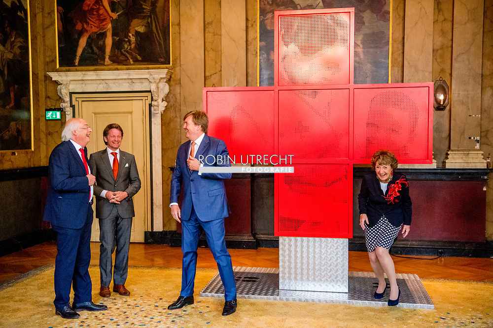 8-5-2017 DEN HAAG  - de Koning Willem-Alexander Pieter Christiaan en Hoogheid Prinses Margriet der Nederlanden zijn maandagmiddag 8 mei in de Ridderzaal in Den Haag aanwezig bij de viering van 150 jaar Nederlandse Rode Kruis. Prinses Margriet is aanwezig in haar hoedanigheid van erevoorzitter van het Rode Kruis.COPYRIGHT ROBIN UTRECHT<br /> 8-5-2017 THE HAGUE - King William Alexander and Highness Princess Margriet of the Netherlands will attend the celebration of 150 years of the Dutch Red Cross on Monday afternoon, May 8 in the Ridderzaal in The Hague. Princess Margriet is present in her capacity as rector of the Red Cross. COPYRIGHT ROBIN UTRECHT