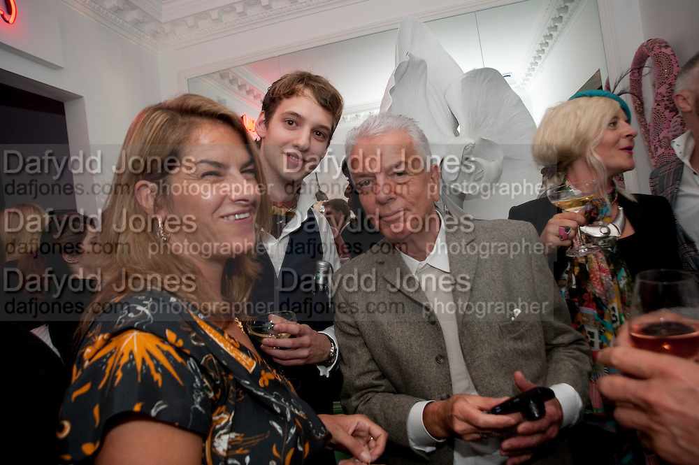TRACEY EMIN; JAMES MACAUSLAN; NICKY HASLAM, Party at the home of Amanda Eliasch in Chelsea after the opening of As I Like it. A memory by Amanda Eliasch and Lyall Watson. Chelsea Theatre. Worl's End. London. 4 July 2010<br /> <br />  , -DO NOT ARCHIVE-&copy; Copyright Photograph by Dafydd Jones. 248 Clapham Rd. London SW9 0PZ. Tel 0207 820 0771. www.dafjones.com.