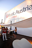 GEPA-2906087390A - WIEN,AUSTRIA,29.JUN.08 - FUSSBALL - UEFA Europameisterschaft, EURO 2008, Host City Fan Zone, Fanmeile, Fan Meile, Public Viewing. Bild zeigt die Summer-Lounge vom Bank Austria UniCredit Group Tower.<br />