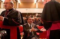 21 OCT 2003, BERLIN/GERMANY:<br /> Karl lehmann (L), Kardinal, Gerhard Schroeder (M), SPD, Bundeskanzler, und Dr. Josef Homeyer (R), Bischof, St. Michael Jahresempfang der Deutschen Bischofskonferenz, Tagungszentrum der Katholischen Akademie<br /> IMAGE: 20031021-02-001<br /> KEYWORDS: Gerhard Schröder
