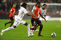 FOOTBALL - FRENCH CHAMPIONSHIP 2010/2011 - L1 - STADE RENNAIS v OLYMPIQUE LYONNAIS - 6/11/2010 - PHOTO PASCAL ALLEE / DPPI - ALEXANDER TETTEY (RENNES) / PAPE MALICKOU DIAKHATE (L) AND JEAN MAKOUN (R) (OL)