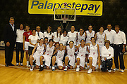 DESCRIZIONE : Roma Campionato Femminile Serie B d'Eccellenza 2009-2010 College Italia Astro Cagliari<br /> GIOCATORE : Dino Meneghin Sandra Palombarini  e la squadra<br /> SQUADRA : College Italia<br /> EVENTO : Campionato Femminile Serie B d'Eccellenza 2009-2010<br /> GARA : Colege Italia Astro Cagliari<br /> DATA : 03/10/2009 <br /> CATEGORIA : <br /> SPORT : Pallacanestro <br /> AUTORE : Agenzia Ciamillo-Castoria/E.Castoria<br /> Galleria : Fip Nazionali 2009<br /> Fotonotizia : Roma Campionato Femminile Serie B d'Eccellenza 2009-2010 College Italia Astro Cagliari<br /> Predefinita : si