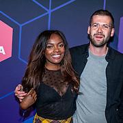 NLD/Amsterdam/20190613 - Inloop uitreiking De Beste Social Awards 2019, Iris van Lunenburg en partner