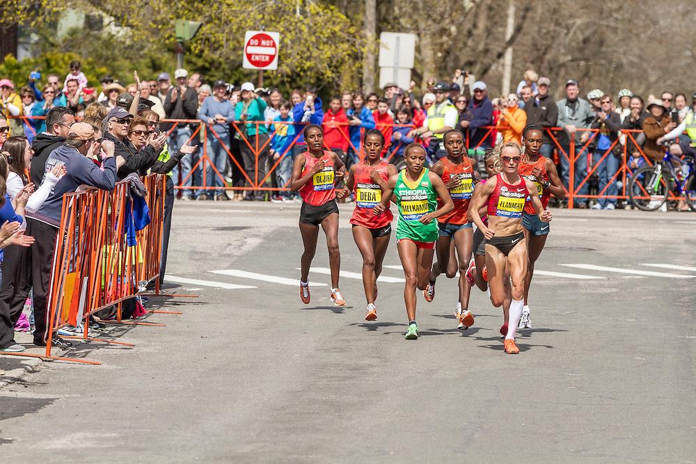 2014 Boston Marathon: Shalane Flanagan leads pack near mile 16