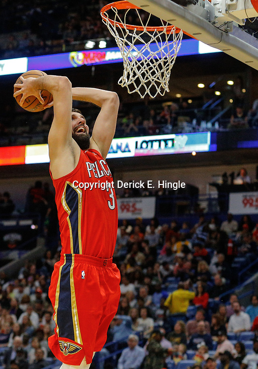 Feb 14, 2018; New Orleans, LA, USA; New Orleans Pelicans forward Nikola Mirotic (3) dunks against the Los Angeles Lakers during the second half at the Smoothie King Center. The Pelicans defeated the Lakers 139-117. Mandatory Credit: Derick E. Hingle-USA TODAY Sports