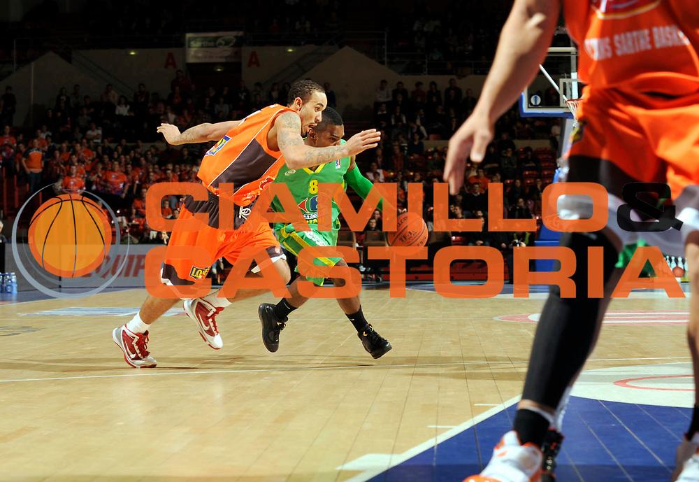 DESCRIZIONE : Ligue France Pro A Msb Le Mans Vichy 14 ieme journee GIOCATORE : Reed Kareem Wright Zach<br /> SQUADRA : Vichy <br /> EVENTO : Ligue France Pro A 2009-2010<br /> GARA : MSB Le Mans Vichy <br /> DATA : 09/01/2010<br /> CATEGORIA : Basketball Action Homme<br /> AUTORE : JF Molliere par Agenzia Ciamillo-Castoria <br /> Galleria : Ligue France Pro a 2009-2010 <br /> Fotonotizia : Ligue France 2009-10 Msb Le Mans <br /> Predefinita :