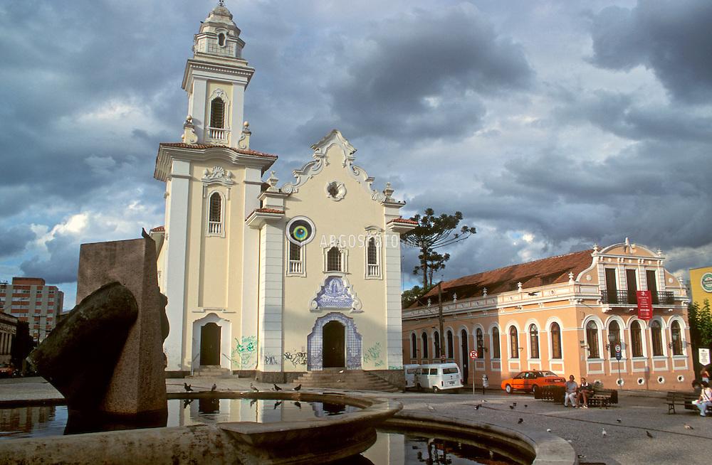 Curitiba, Parana, Brasil..Igreja Sao Francisco na praca Garibaldi./ San Francisco Church in Garibaldi Square..Foto ©Adri Felden/Argosfoto