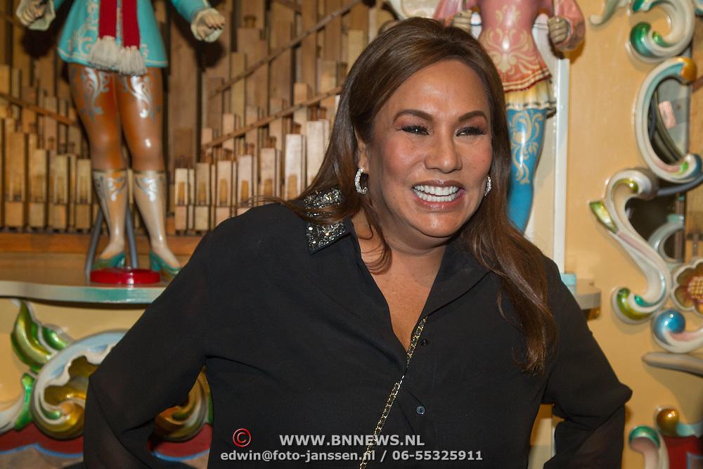 NLD/Amsterdam/20151119 - Inloop Sbs Jaarpresentatie 2016, Patty Brard