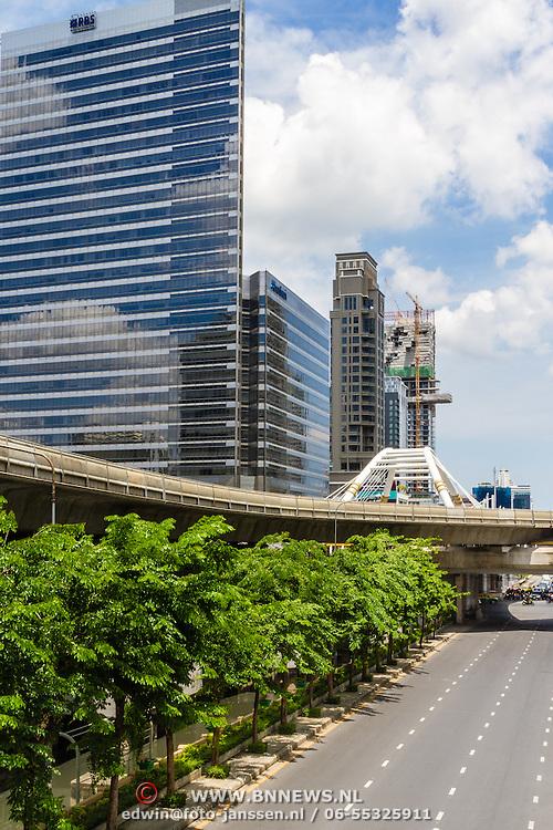 THA/Bangkok/20160729 - Thailand 2016 Bangkok, hoogbouw in Bangkok