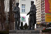 Die Skulpturen von den Skoda Gruendern Vaclav Klement und Vaclav Laurin vor dem Skoda Automuseum in Mlada Boleslav. Mlada Boleslav liegt noerdlich von Prag und ist ungefaehr 60 Kilometer von der tschechischen Haupstadt entfernt. Skoda Auto besch&auml;ftigt in Tschechien 23.976 Mitarbeiter (Stand 2006), den Grossteil davon in der Zentrale in Mlada Boleslav. Damit sind mehr als 3/4 aller Erwerbst&auml;tigen der Stadt in dem Automobilkonzern t&auml;tig.<br /> <br />                                           Skoda founders Vaclav Laurin and Vaclav Klement infront of the Skoda car mueum in the city of Mlada Boleslav. The city is located north of Prague and about 60 km away from the Czech capital. Skoda Auto has about 23.976 employees (2006) in Czech Republic and a big part of them is working in Mlada Boleslav. 3/4 of the working population in Mlada Boleslav is working for the Skoda Auto company.
