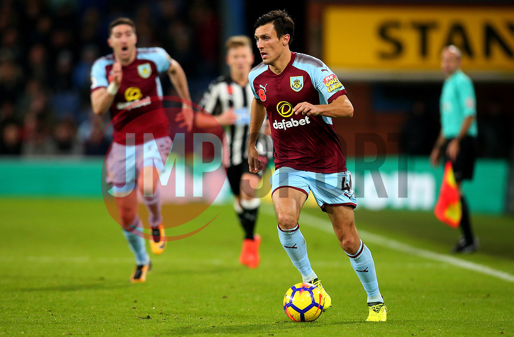 Jack Cork of Burnley - Mandatory by-line: Robbie Stephenson/JMP - 30/10/2017 - FOOTBALL - Turf Moor - Burnley, England - Burnley v Newcastle United - Premier League