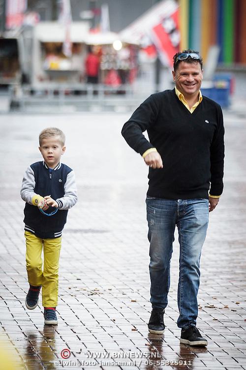 NLD/Amsterdam/20150125 - Premiere Spongebob in 3D - Sponge op het Droge, Wolter Kroes en zoon