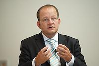 """02 JUL 2009, POTSDAM/GERMANY:<br /> Prof. Dr. Bernd Ebersberger, Bereichsleiter VWL & Innovationsmanagement, MCI Management Center Insbruck, """"Kreative Zerstoerer der deutschen Wirtschaft"""", Konferenz der Financial Times Deutschland, Hasso-Plattner-Institut<br /> IMAGE: 20090702-01-073"""