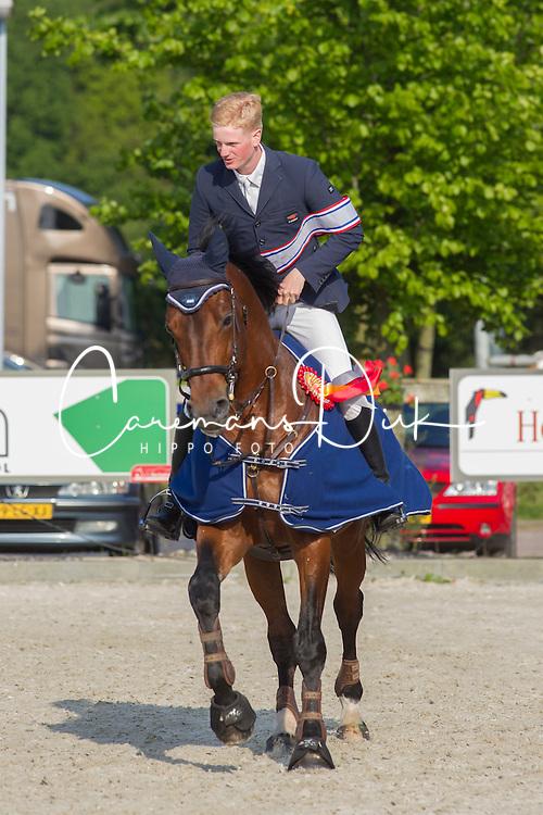 Derks Thijs (NED) - Triomph de Muze<br /> Finale KNHS-vdB CUP 2012<br /> Klasse DZZ Zware Tour<br /> © Dirk Caremans