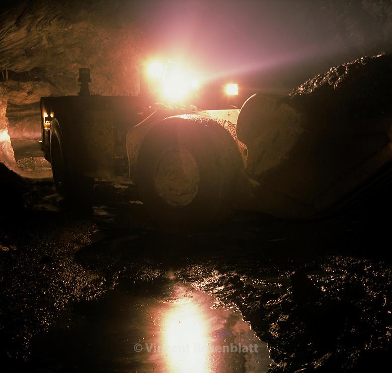 Mine d'or de Sabara, societe Anglogold  Ashanti, Minas Gerais Bresil.//<br /> Gold mine in Sabar&aacute;, company Anglogold Ashanti, Minas Gerais, Brazil