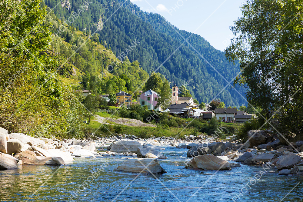 View of the village of Rossa in the Grisons from the river