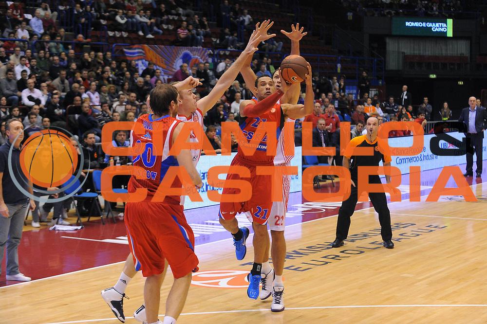 DESCRIZIONE : Milano Eurolega 2010-11 Armani Jeans Milano CSKA Mosca<br /> GIOCATORE : Trajan Langdon<br /> SQUADRA : CSKA Mosca<br /> EVENTO : Eurolega 2010-2011<br /> GARA :  Armani Jeans Milano CSKA Mosca<br /> DATA : 24/11/2010<br /> CATEGORIA : Tiro<br /> SPORT : Pallacanestro <br /> AUTORE : Agenzia Ciamillo-Castoria/A.Dealberto<br /> Galleria : Eurolega 2010-2011<br /> Fotonotizia : Milano Eurolega Euroleague 2010-11 Armani Jeans Milano CSKA Mosca<br /> Predefinita :
