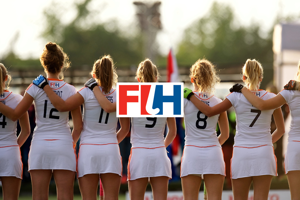 SANTIAGO - 2016 8th Women's Hockey Junior World Cup<br /> USA v NED (Pool A)<br /> foto: Line up.<br /> FFU PRESS AGENCY COPYRIGHT FRANK